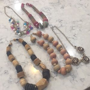 6 pcs of jewelry with tray